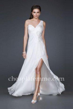 Classic La Femme 16770 Ivory One Shoulder Bridal Long Dresses with Front Slit [La Femme 16770] - $175.00 : La Femme   La Femme Dresses   Cheap La Femme   BCBG & Herve Leger   Scoop.it