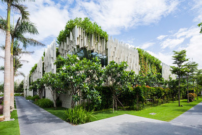 Vietnam spa by MIA Design Studio features latticed walls and hanging gardens | The Architecture of the City | Scoop.it