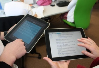 6 Ways Students Can Collaborate With iPads - Edudemic | Use of iPads in HE | Scoop.it