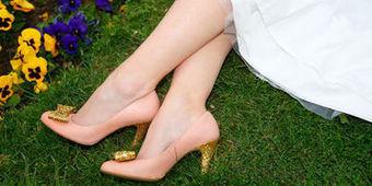 Sept conseils d'expert pour trouver ses chaussures de mariage - L'Express | photographe portrait et mariage | Scoop.it