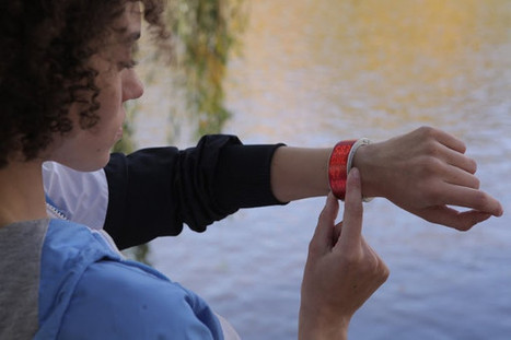 .klatz, une montre connectée qui se transforme en téléphone | the web: design, E-skills & news | Scoop.it
