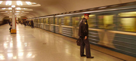 Moscow's Metro Stations Are Turning Into Ebook Libraries - Gizmodo | Digital content | Scoop.it