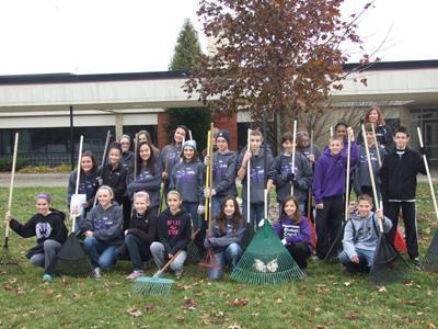 WOODHAVEN: Students rake leaves for residents as random acts of kindness - Southgate News Herald | 20% | Scoop.it