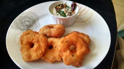 Gluten Free Garelu with Fresh Coconut Chutney | Food for Foodies | Scoop.it