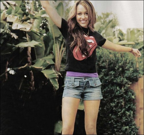 Peace,Love,Radiance, Miley Cyrus - (RARE) Random and/or Personal | Amazing Rare Photographs | Scoop.it