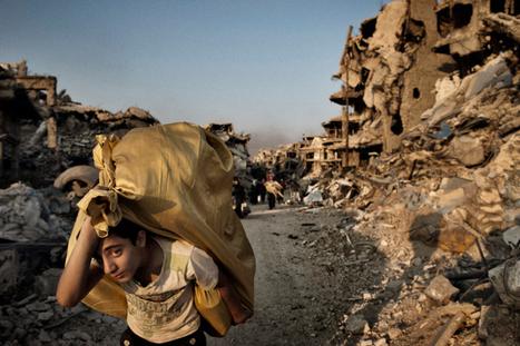 Syrians Return to Devastation in Homs | Best of Photojournalism | Scoop.it