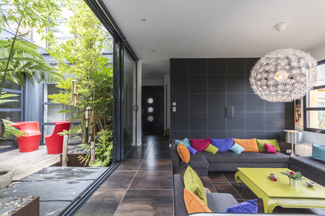 Contemporary Villa With Splashing Colors and Courtyard | Trends | Scoop.it