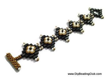 Beading Herringbone Stitch with Brick Beads | DIY Beading | Scoop.it