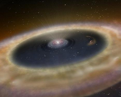 Une jumelle de la Terre pourrait se cacher dans un épais disque de poussière.   Beyond the cave wall   Scoop.it
