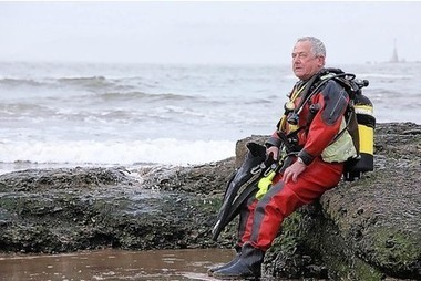 John surfaces to receive award for diving - This Is Plymouth | ScubaObsessed | Scoop.it
