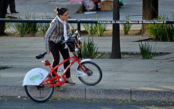 Banco de Historia Visual ©: En bicicleta.   Banco de Historia Visual   Scoop.it