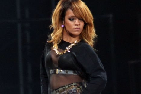 Fans blast security as trouble flares at Rihanna's Stadium of Light gig | Sports Facility Management.4128503 | Scoop.it