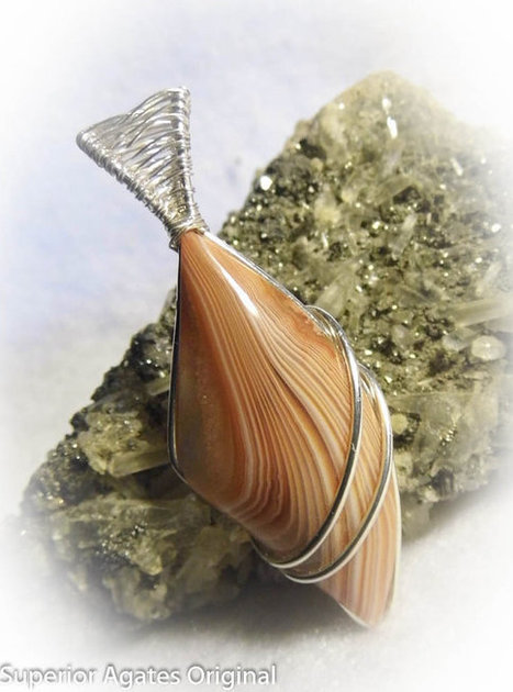 Lake Superior Agate Wire Wrapped Stone Pendant | Wire Wrapped Jewelry | Scoop.it