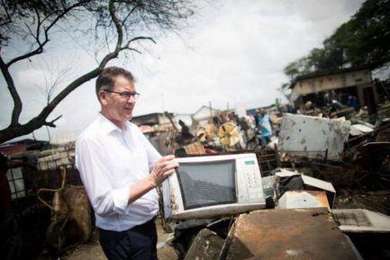 L'Afrique est devenue la poubelle de l'Occident | Association solidaire, aide alimentaire , aide aux personnes en difficulté | Scoop.it