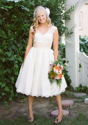 Hot Seller Empire Wasit V-Neck Lace Satin Band Bridal Gowns | Wedding Dresses | Scoop.it