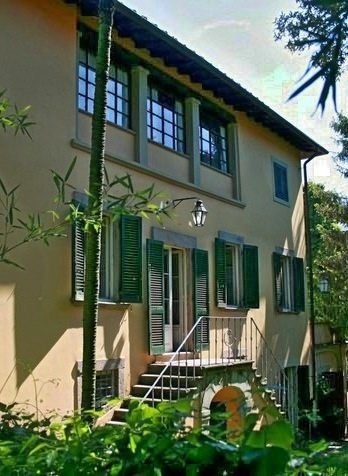 Italian Real Estate on Real Estate Italy  Tuscany Property For Sale  Lucca Historical Villa