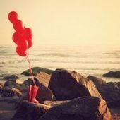 24 Wonderful Pictures of Red Balloons | Bochis Photography | Scoop.it