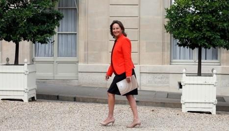 Ségolène Royal est de retour : son tweet d'honneur à Trierweiler et aux autres   Observatoire Elections   politique 2.0   Scoop.it