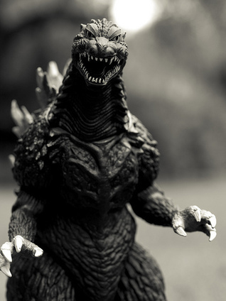 SimCity Always-Online DRM Lets Hackers Play Godzilla With Anyone's Cities | Techdirt | Godzilla 2000 | Scoop.it