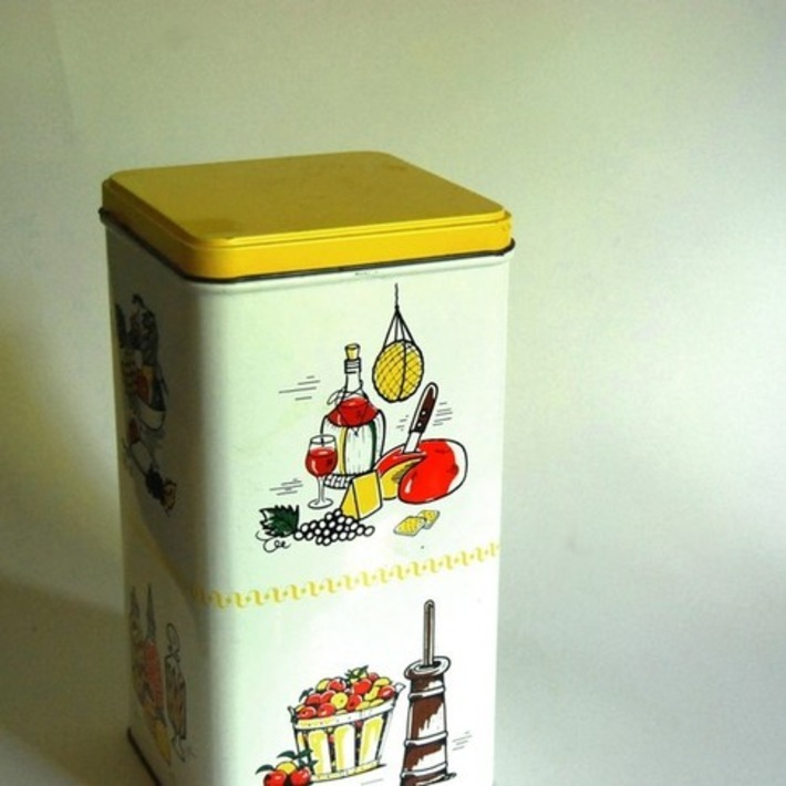 Vintage Tin Canister Kitchen Storage Container by CalloohCallay | Kitsch | Scoop.it