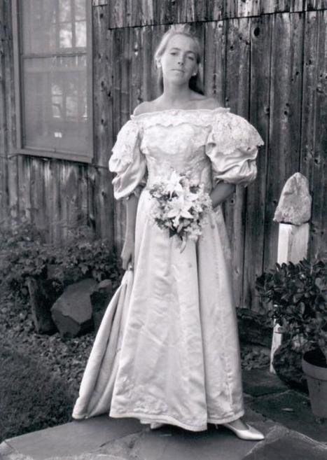 11 Women in This Family Have Worn the Same Wedding Dress in the Last 120 Years | Strange days indeed... | Scoop.it