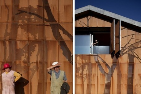 Casa Cedeira: Spanish Prefab Home Sprouts a Lush Forest Motif on its Walls | Développement durable | Scoop.it