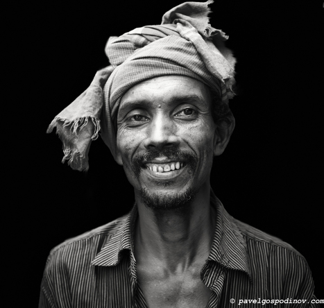 PORTRAIT OF A YOUNG MAN FROM KARWAN SLUM, DHAKA, BANGLADESH   Pavel Gospodinov Photography   PAVEL GOSPODINOV PHOTOGRAPHY   Scoop.it