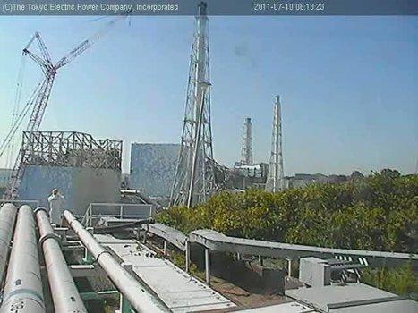 [Photos] Un photographe immortalise la grue géante - Webcam Tepco Select | Facebook | Japon : séisme, tsunami & conséquences | Scoop.it
