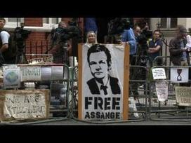 Ecuador, Britain fail to reach deal on Assange | NTN24 NEWS | News from the Spanish-speaking World | Scoop.it