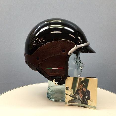 Helmets On   My Umbrella Cockatoo, TIKI   Scoop.it