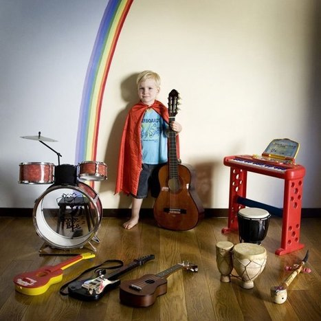 Portraits of Kids with their Favorite Toys | JUCARII EDUCATIVE | Scoop.it