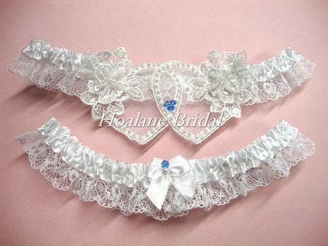 Lace garter, Heart to Heart garter set, Wedding garter set, bridal garter set | Wedding Garters | Scoop.it