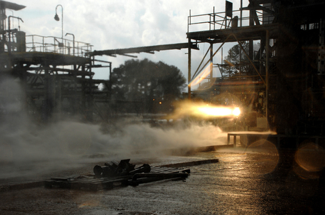NASA Tests Limits of 3-D Printing with Powerful Rocket Engine Check | Machinimania | Scoop.it