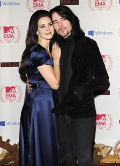 Lana Del Rey Engaged To Longtime Boyfriend Barrie-James O'Neill? - Hollywood Life | Lana Del Rey - Lizzy Grant | Scoop.it