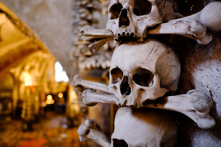 Sedlec Ossuary – Why Dead People Make the Most Fabulous Decorations | Nate | Fuji X-Pro1 | Scoop.it
