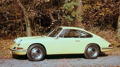 La première Porsche 911 dévoilée à Francfort le 12 septembre 1963 - Auto123.com   Que s'est il passé en 1963 ?   Scoop.it