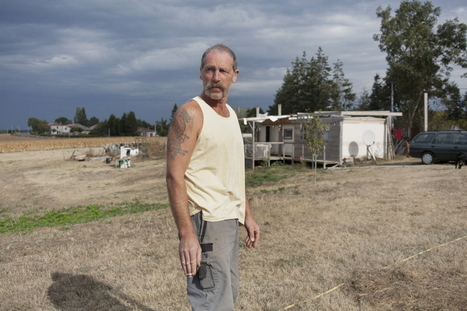 Il vit dans un mobil-home, ses voisins lui construisent une maison | Je, tu, il... nous ! | Scoop.it