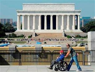 Veterans visit WWII Memorial despite shutdown - KTTC | Memorial, Monument and Mausoleum Designers | Scoop.it