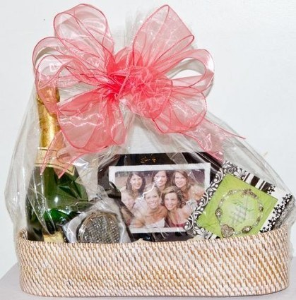 Cheap Bridal Shower Gift Basket Ideas : Bridal Shower Gift Basket Ideas - Bridal Shower Gift Baskets - Put ...