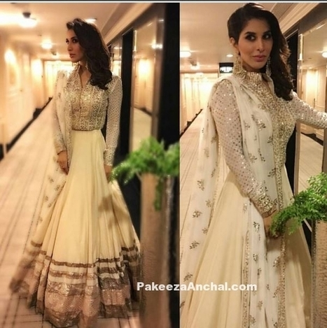 Sophie Choudry in White Anarkali style Lehenga Choli by Manish Malhotra | Indian Fashion Updates | Scoop.it