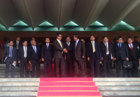 Cambodian Leaders' Historic Handshake | An Expat's Life in Sihanoukville Cambodia | Scoop.it