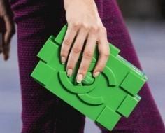 COLABORACIONES #businesss #coolhunting  -> Chanel Designs A LEGO Clutch - VIA @PSFK | Fashion MODA 2013 Sta je IN? | Scoop.it