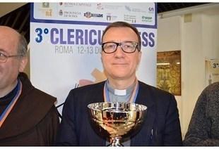 Italia - Padre Gennaro Cicchese vince il Mondiale Scacchi Sacerdoti | OMInews | Scoop.it