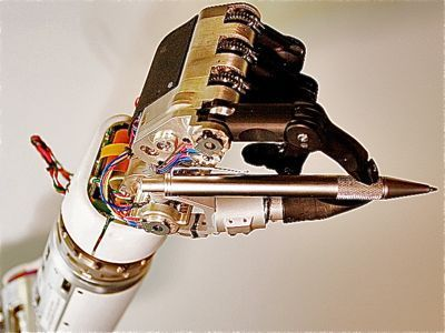 This Robotic Limb Is So Advanced It Could Bring Paralyzed Troops Back To The Battlefield | TheBottomlineNow | Scoop.it