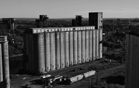 USA: Following Function - Putting the Industrial Buildings that Inspired the Modernist Movement Back to Work | Grain Elevators | Scoop.it