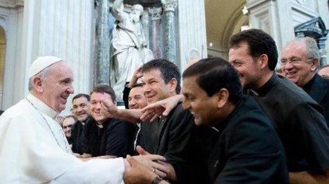 Le pape François ouvre la réflexion sur les divorcés remariés dans l ... - FRANCE 24 | Catholic church | Scoop.it