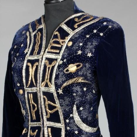 La veste du zodiaque Schiaparelli vendue aux enchères pour 130 000 euros | Les Gentils PariZiens : style & art de vivre | Scoop.it