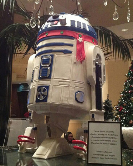 150-Pound Life-Sized R2-D2 | Geeky Creations | Scoop.it