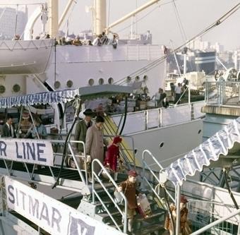 1945 – 1965 | Australia's migration history timeline | NSW Migration Heritage Centre | 1950s | Scoop.it