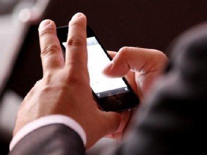 Smartphone-Knigge: Wann Sie die Finger vom Handy lassen sollten | DaF | Scoop.it